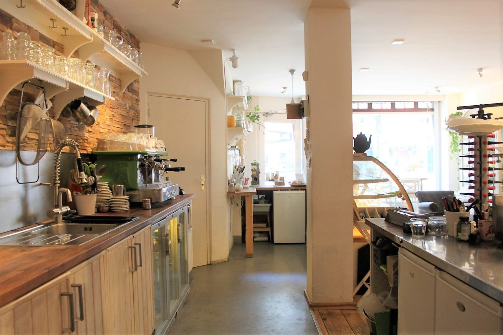 trendy eet caf lunchroom in amsterdam west duijn